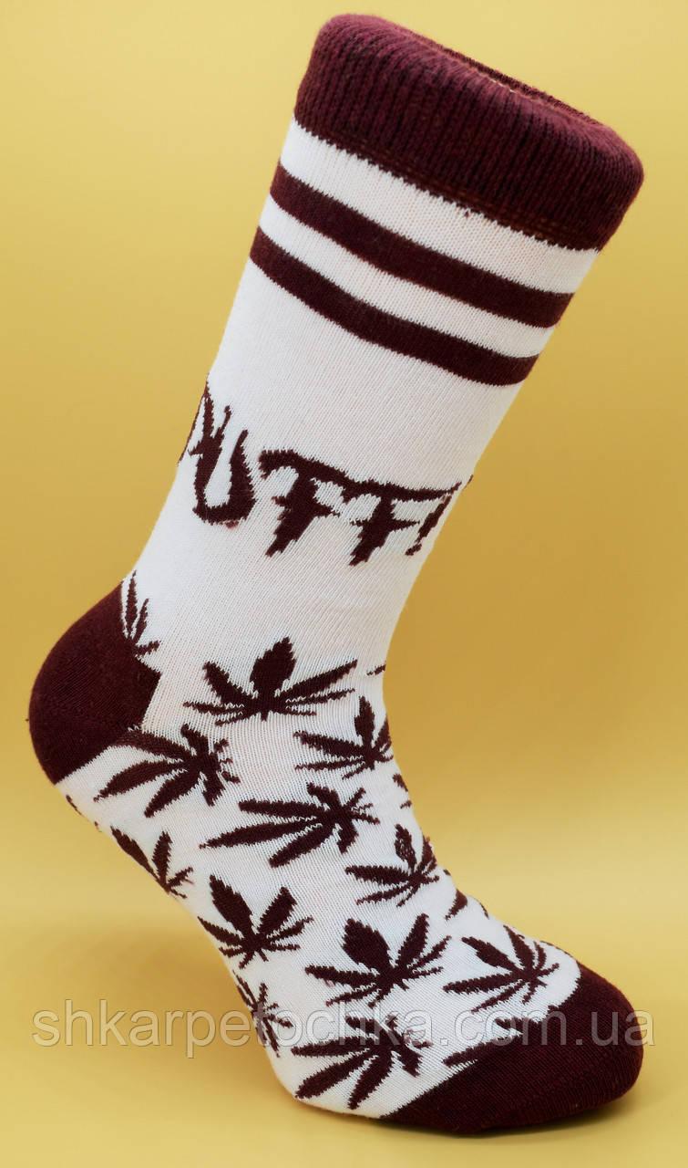Довгі жіночі шкарпетки.