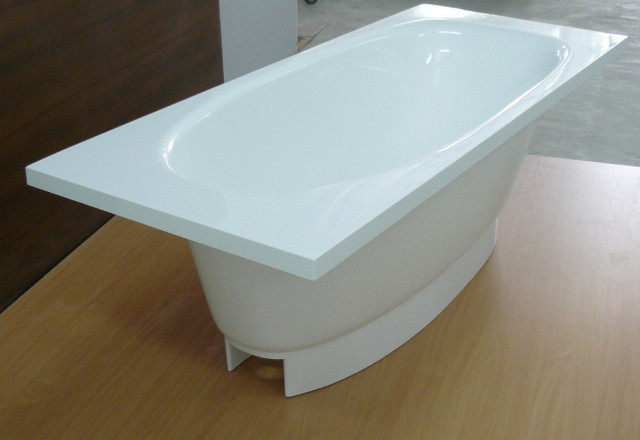 Ванни зі штучного каменю