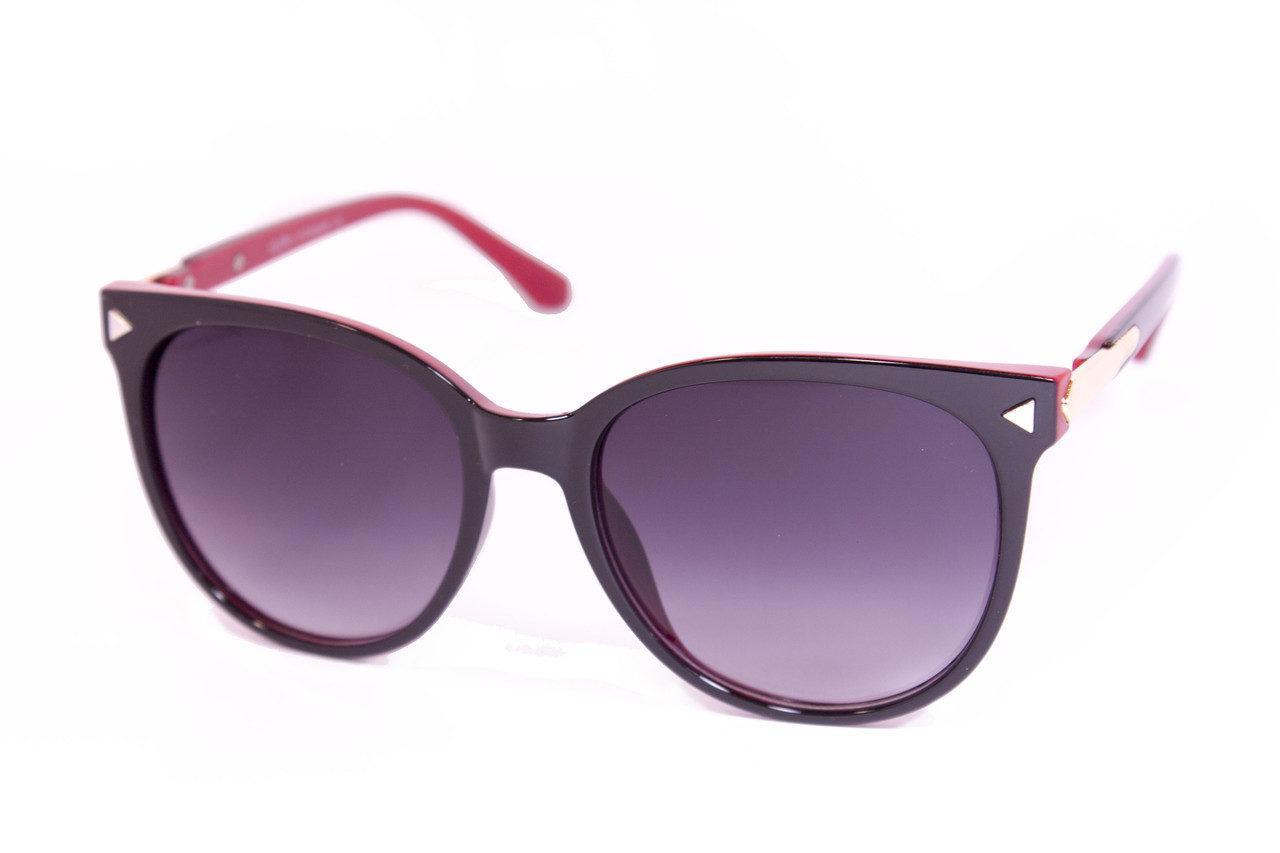 Модные солнцезащитные темные очки