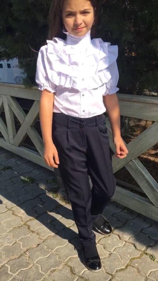 Блузка для девочки из хлопка с рюшами и рукавом фонариком (К27674)
