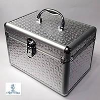 Бьюти кейс алюминиевый косметологам с ключом серебро кубик
