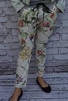 брюки в цветочный принт
