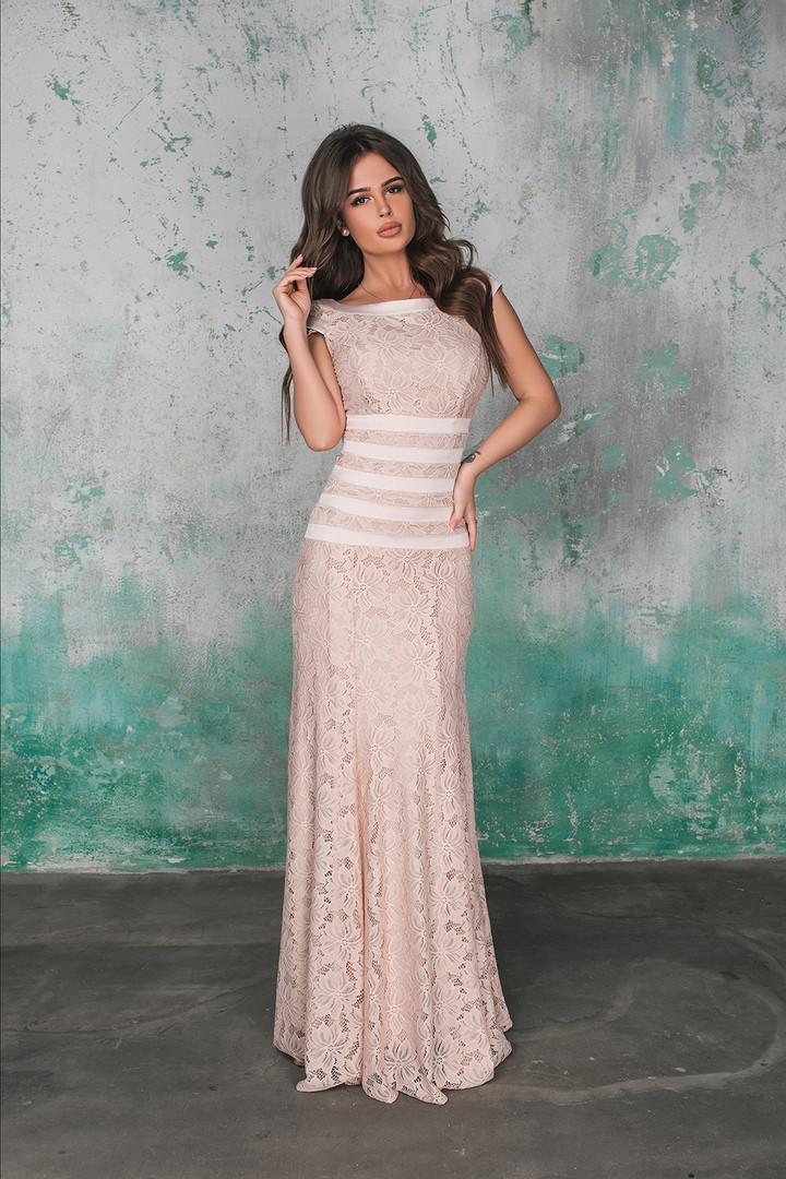 Красивое длинное гипюровое платье , подкладка. Отделка бархат и   атлас  с,м,л,   Цвета - черный , персик