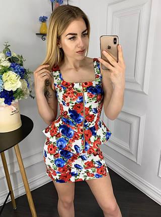 """Летний джинсовый женский костюм """"Darina"""" с баской и цветочным принтом (5 цветов), фото 2"""
