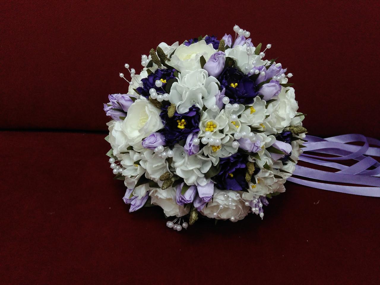 Весільний букет-дублер з півоній айворі з фіолетовим