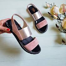 Женские сандалии на низком ходу