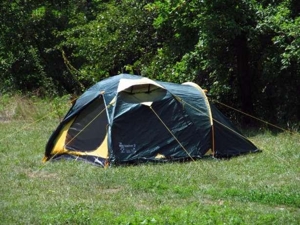 Намет Tramp Stalker 4 v2. Палатка туристическая. Намет туристичний