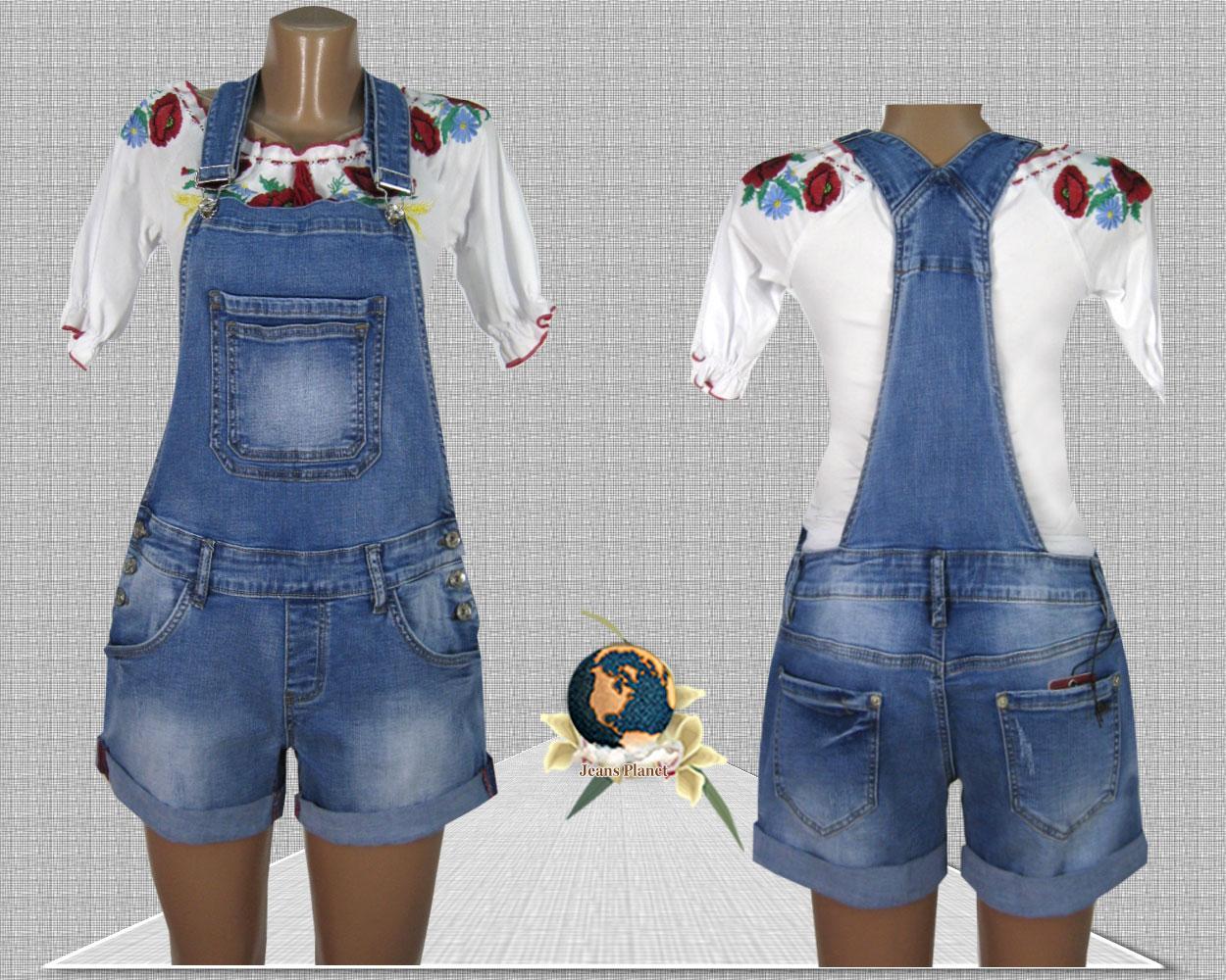 Джинсовый женский комбинезон с шортами голубого цвета стрейч