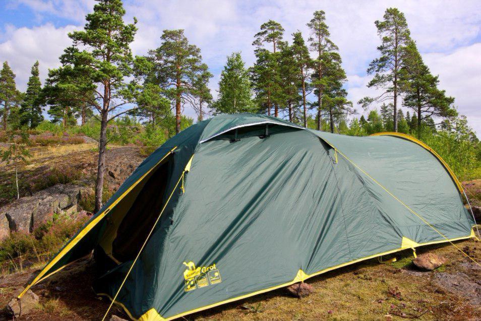Намет Tramp Grot 3 м, v2 TRT-036. Палатка туристическая 3 месная. Намет туристичний