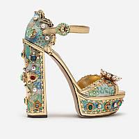 Невероятные босоножки на высоком каблуке Dolce & Gabbana с принтом и камнями