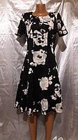 Стильное черное платье с серо-белыми розами
