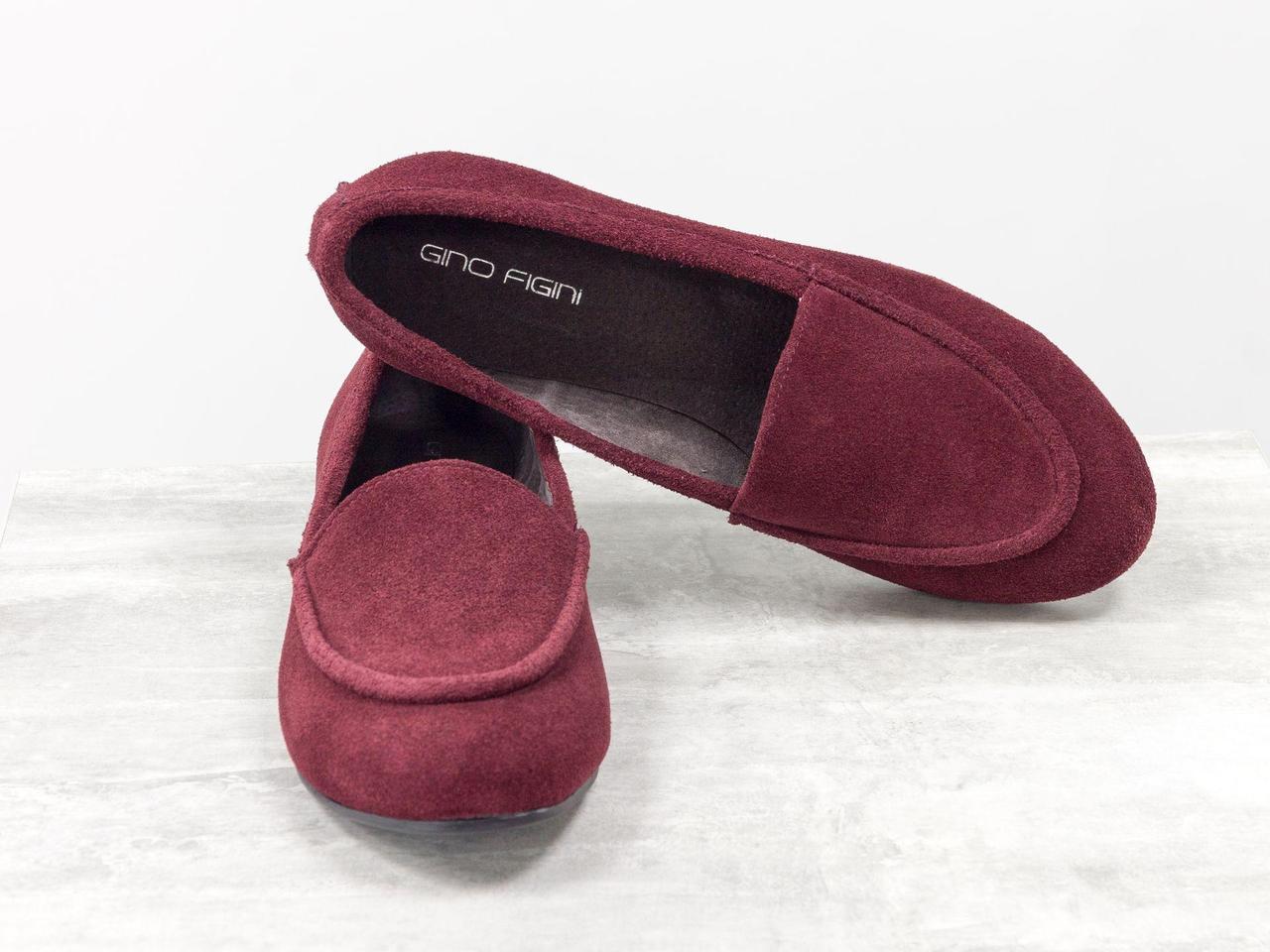 Легкие замшевые туфли шикарного винного оттенка бордового цвета, на низком ходу