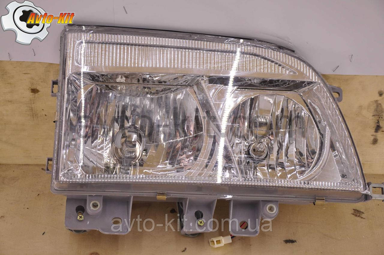 Фара передняя правая, 12В (с отражателем) FAW 1061 ФАВ 1061 (4,75 л)