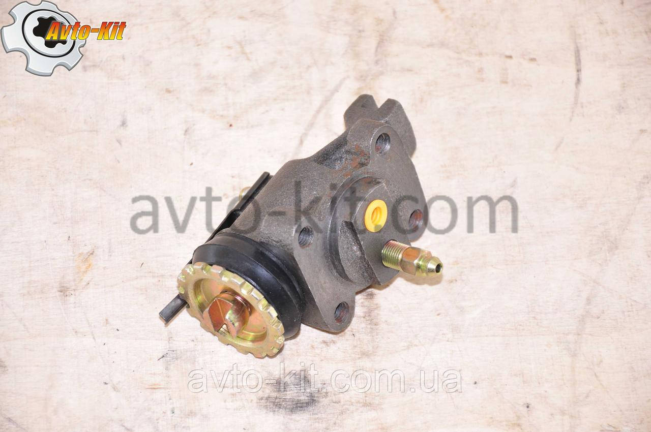 Цилиндр тормозной рабочий передний левый (ПР-ШТ) FAW 1031, 1041 ФАВ 1041 (3,2 л)