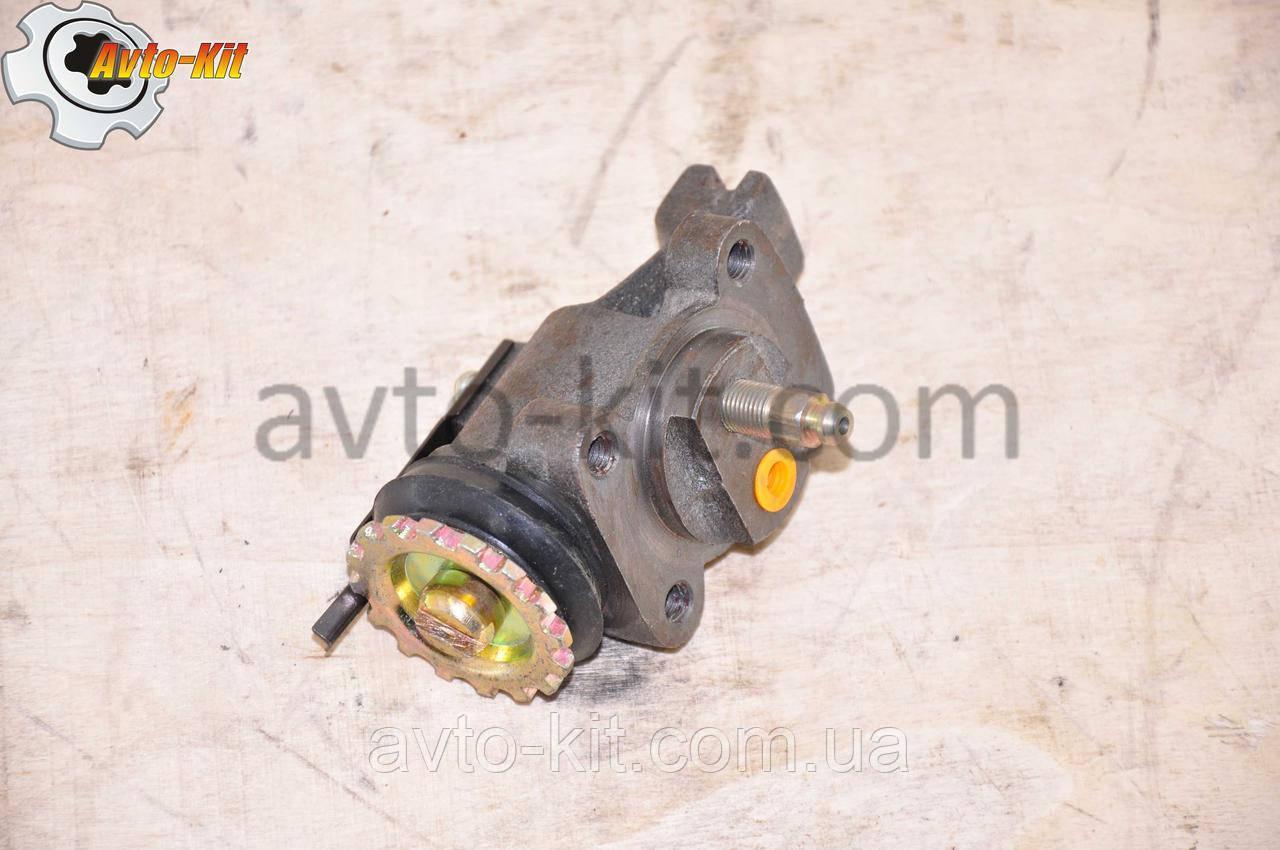 Цилиндр тормозной рабочий передний правый (ПР-ШТ) FAW 1031, 1041 ФАВ 1041 (3,2 л)