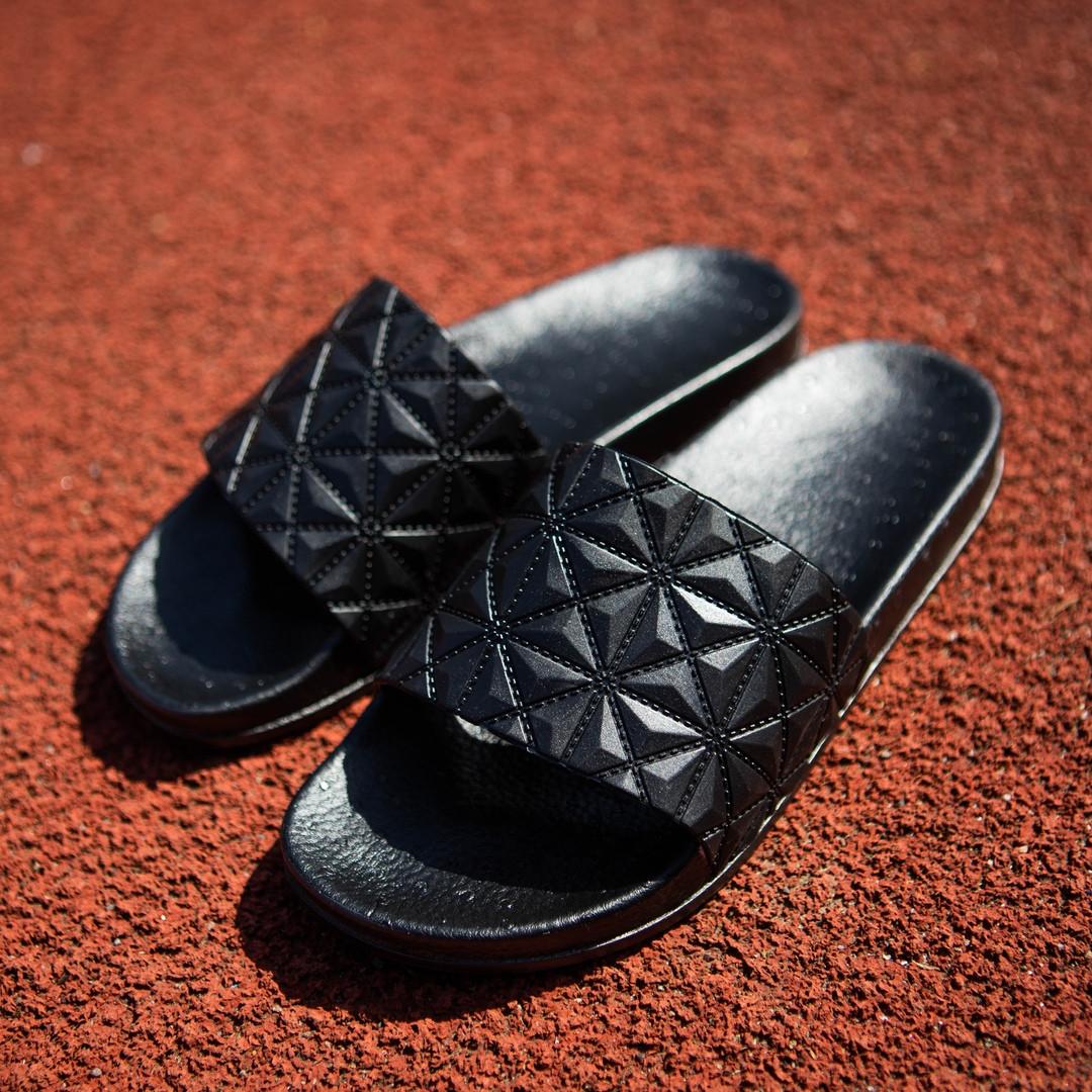 Кожаные мужские шлепанцы стильные модные в черном цвете