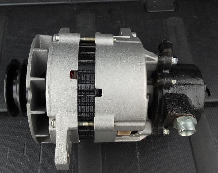 Генератор 37300-45001 Hyundai HD65/HD78, Хюндай, Богдан А201 (V=3.9L)