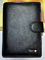 Мужской кожаный кошелек Tailian на кнопке в черном цвете 10,5*14,5 см