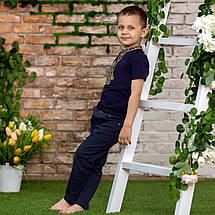 Трикотажна футболка з вишивкою для хлопчика з зеленим орнаментом, фото 3