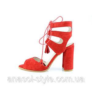 Босоножки женские Markos  замшевые с кисточками красные