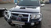 Toyota Hilux 2005-2011 гг. Дефлектор капота (SIM)