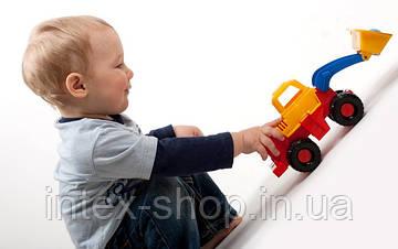 Что выбрать в подарок для двухлетнего мальчика?