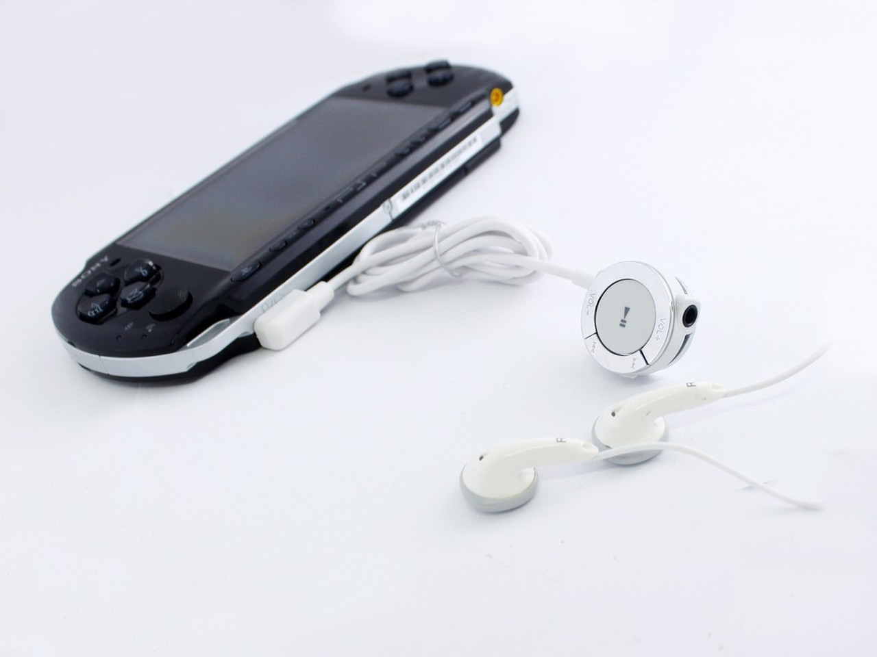 Наушники для PSP с пультом