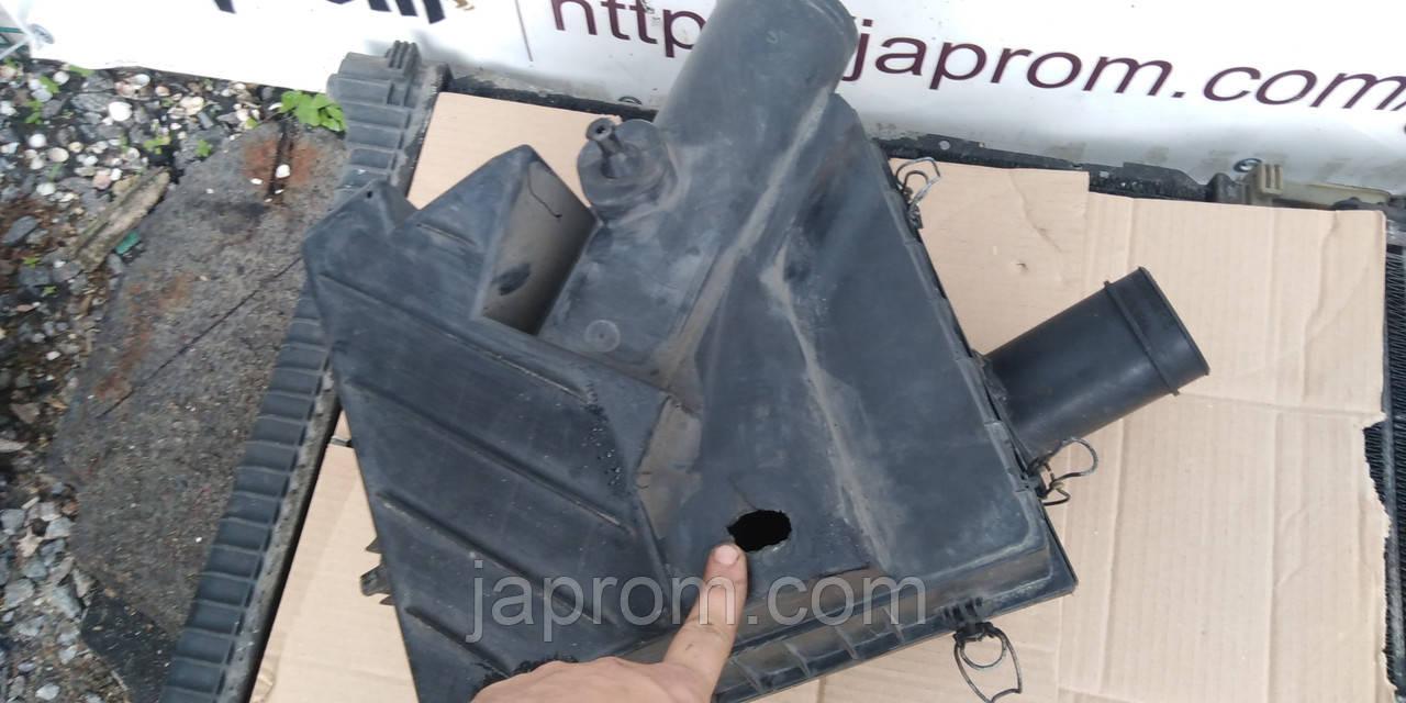 Корпус воздушного фильтра Mercedes Vito W638 2,2 CDI