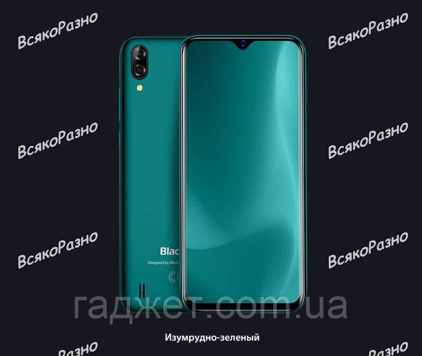 Смартфон Blackview A60 зеленого цвета.