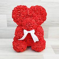 Мишка из роз красный