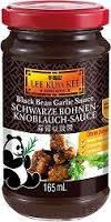 Соус из черной фасоли с чесноком Lee Kum Kee Hong Kong, 165мл