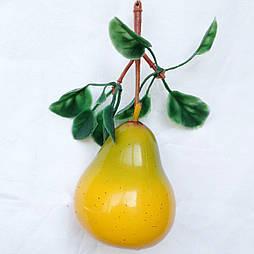 Груша с листьями  муляж