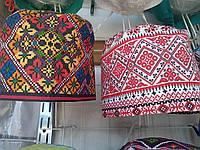 """Коттоновая шапочка для медицинского  персонала с принтом """"Вышиванка"""" на завязках"""