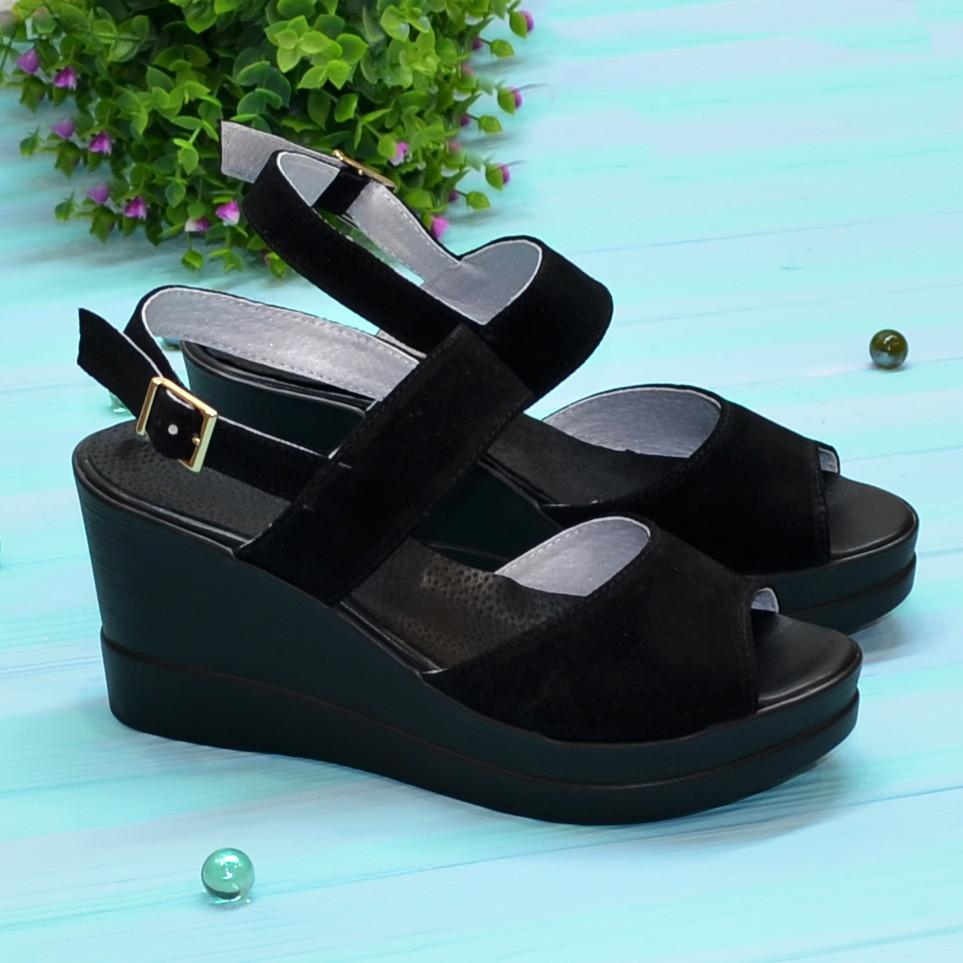 Женские замшевые босоножки на платформе, цвет черный