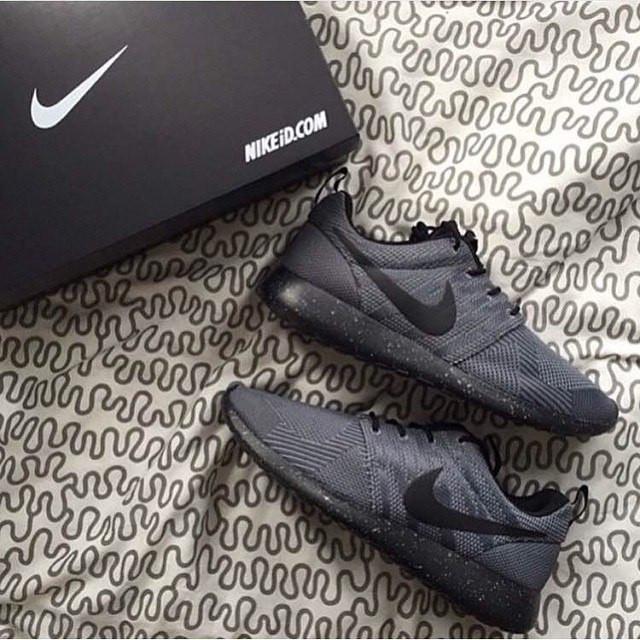 Огромная коллекция кроссовок Nike Roshe Run