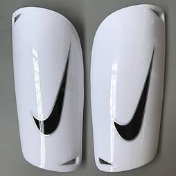 Футбольні щитки Nike (білий)