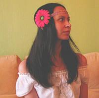 Очаровательная девушка Таня из Днепропетровска с заколочкой герберой