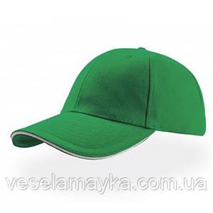 Зеленая кепка-сэндвич с белой вставкой