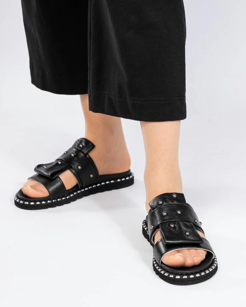 Шлепки женские кожаные черные