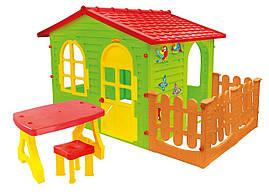 Детский игровой домик Mochtoys 07 пластиковый с террасой  (игровой домик для улицы и дома)