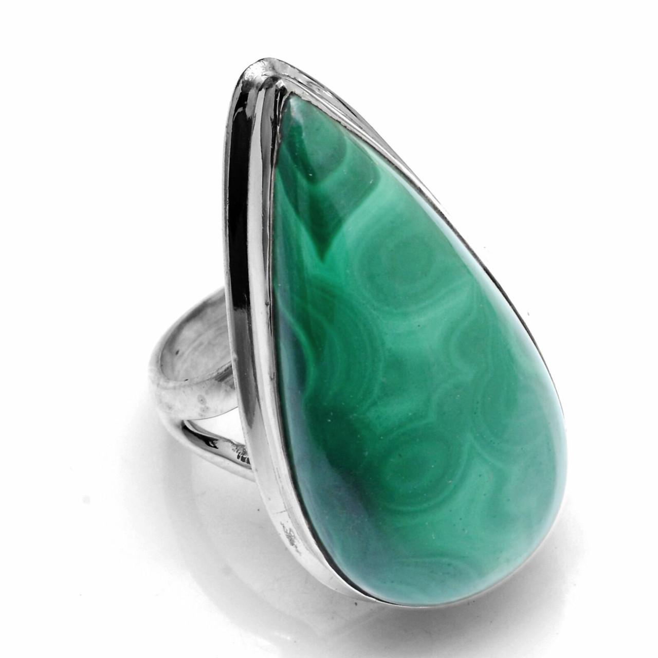 Кольцо из серебра с малахитом, 27*15 мм., 1076КМ