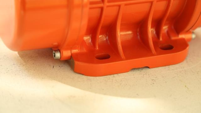 Крепление вибратора Oli MVE 200/3