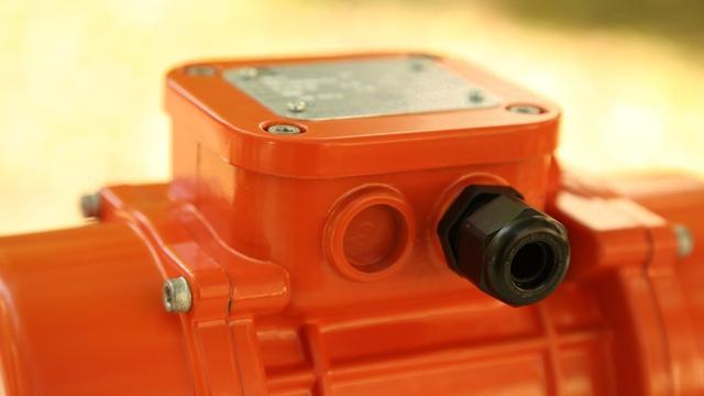 Двигатель вибратора Oli MVE 200/3