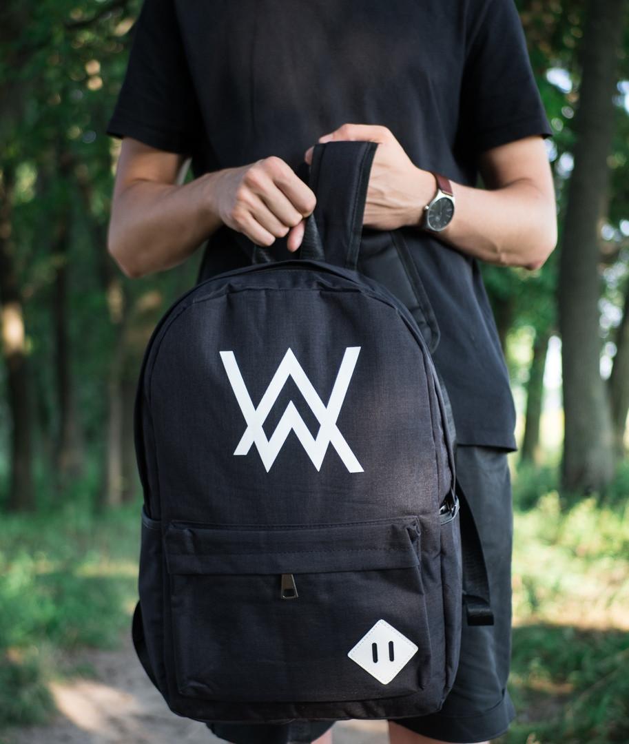 Молодежный рюкзак спортивный вместительный в черном цвете на молнии