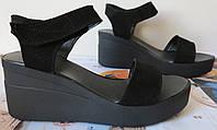 Жіночі замшеві босоніжки в стилі Kelton! чорні шкіра натуральна на платформі танкетці Келтон репліка
