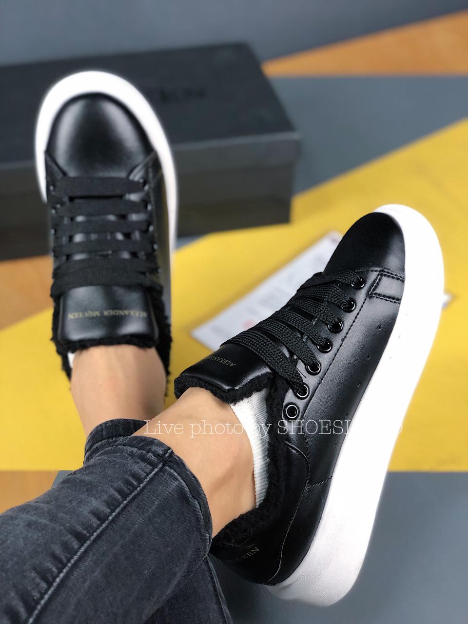 Женские Кроссовки Alexander MCqueen Black White Leather (Мех)