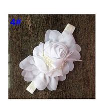 Детская белая повязка - окружность 36-50см, размер цветка 13см