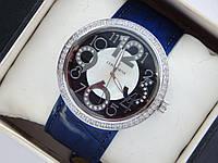 Высококачественные кварцевые наручные часы Continent на кожаном ремешке. Серебристые со стразами.