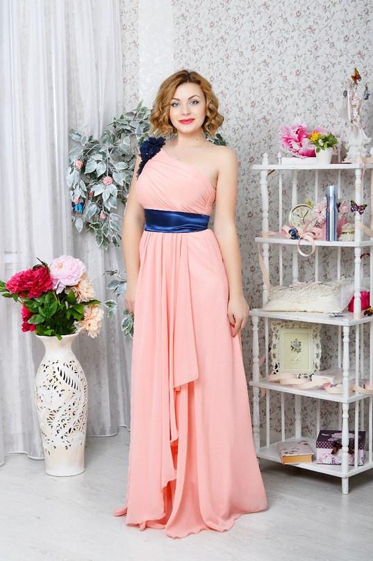Вечернее платье в пол на одно плечо