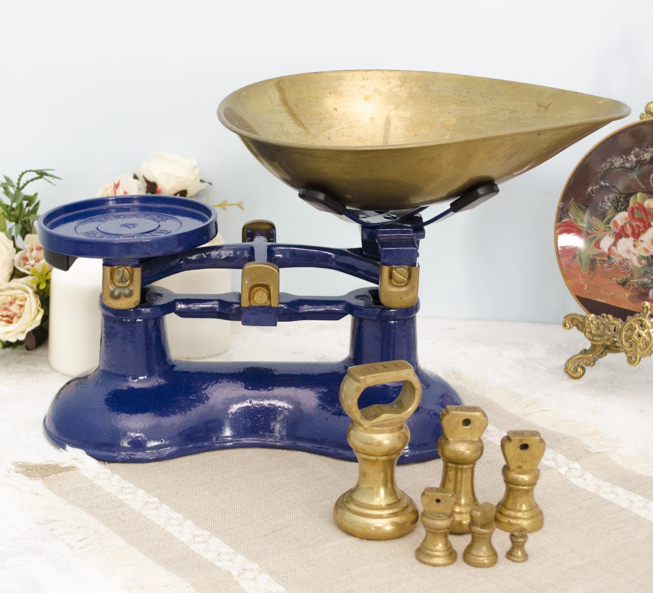 Винтажные кухонные весы ,Англия, чугун, эмаль, латунь, гири